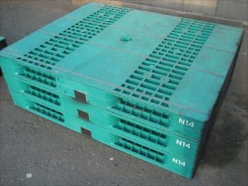 樹脂製中古パレット1100x1400x144