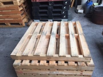 木製中古パレット1100x1100x104 二方差し
