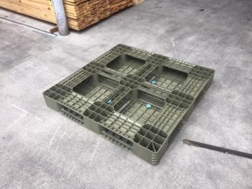中古樹脂パレット1100x1100x140 再生プラ